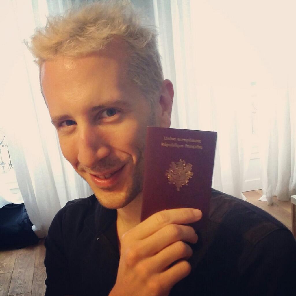 ElkY Passaporte