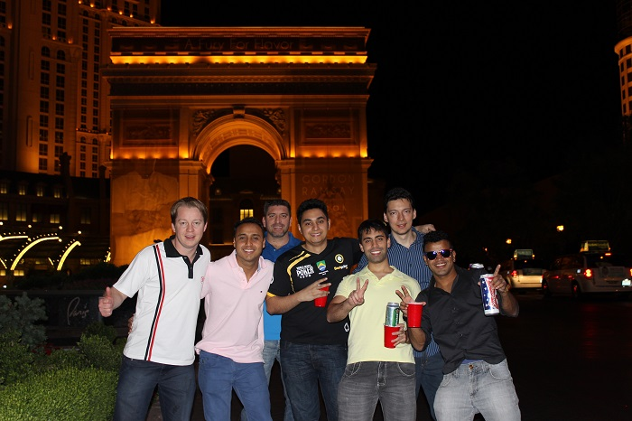 BestPoker Team Brazil Arco do Triunfo