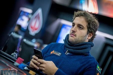 João Simão João Simão está entre os últimos 15 jogadores no torneio de $25.500 do partypoker Millions North America Super High Roller