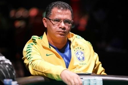 Roberly Felício marca a presença brasileira na FT do Colossus na WSOP