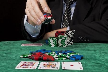 apostar no poker
